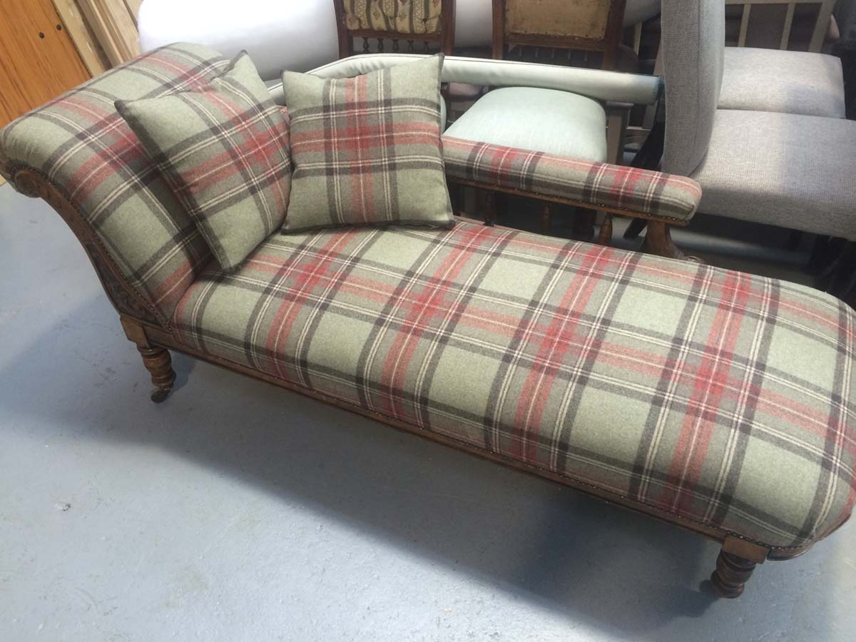 Beautiful old Chaise Longue Covered in antique tartan